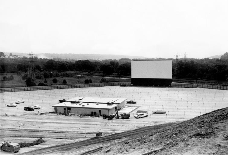 1950 cine drive-in en construcción