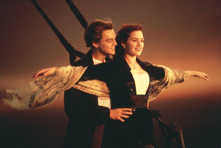 Una guía para los géneros cinematográficos básicos (y cómo usarlos) - Leonardo DiCaprio y Kate Winslet en Titanic
