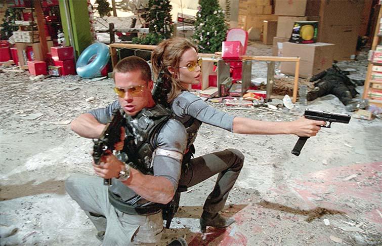 Brad Pitt y Angelina Jolie en Mr. & Mrs. Smith